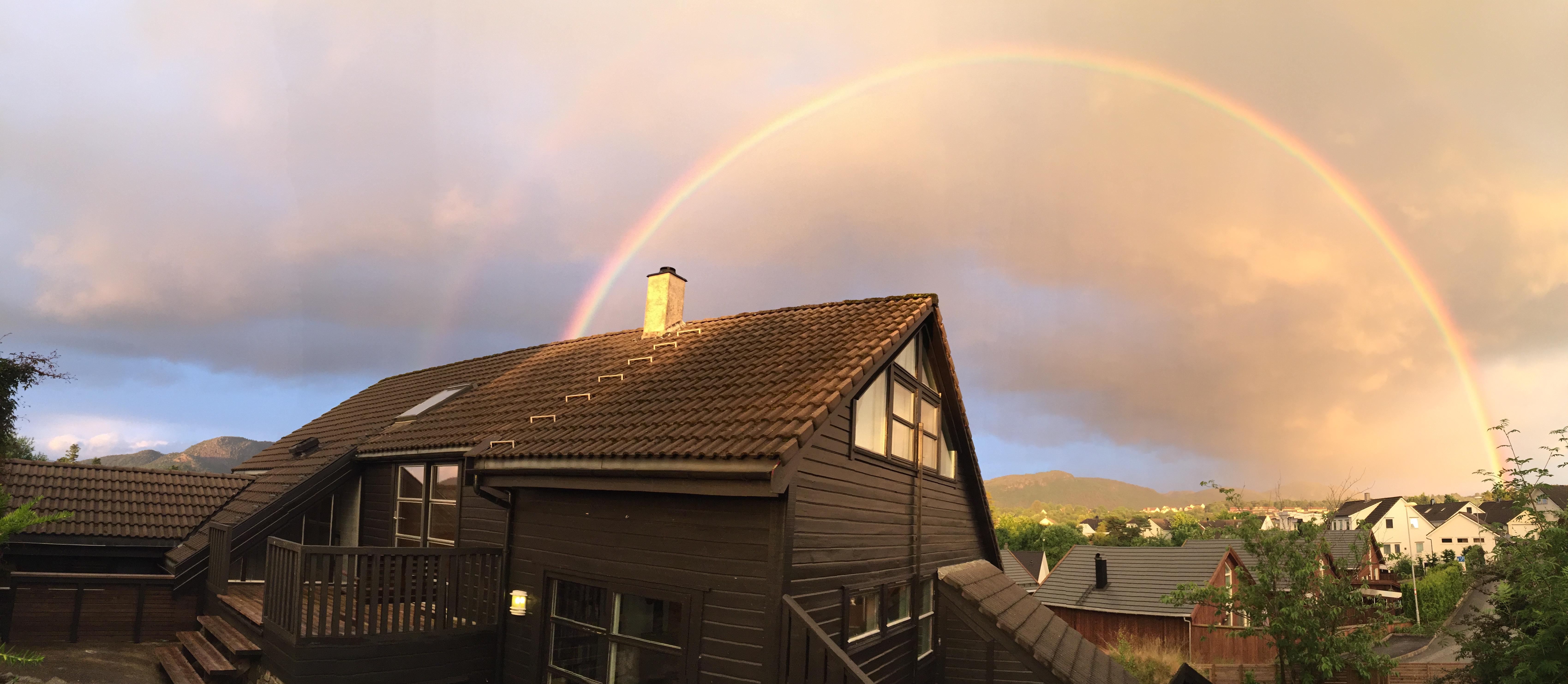 Regnbuen over steinskjellveien 13 hommersåk