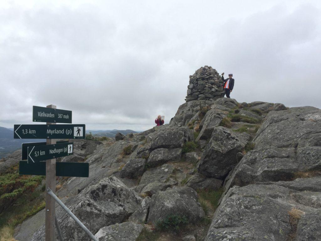 Vårlivarden topptur toppturer Sandnes høyeste topp vårlidvarden Rogaland norway mountain fjord fiord Stavanger