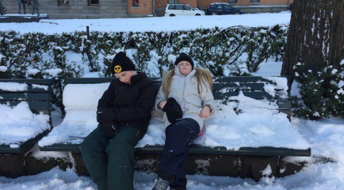 Isak & Eline slapper av i Oslo